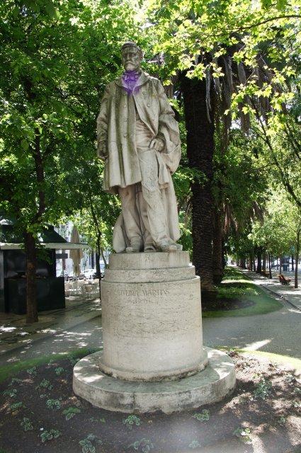 Памятник Оливейру Мартинс, Лиссабон, Португалия
