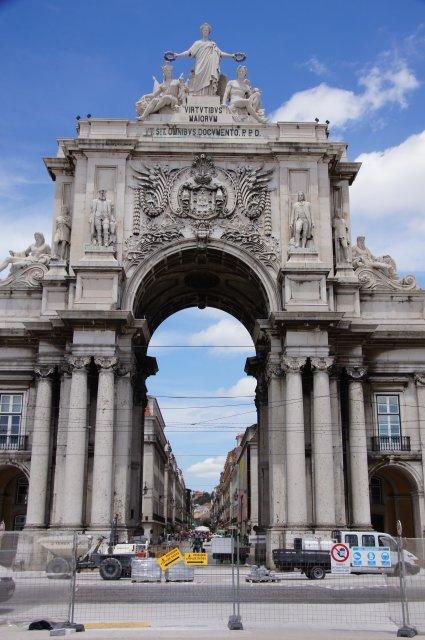 Триумфальная Арка в Лиссабоне, Португалия