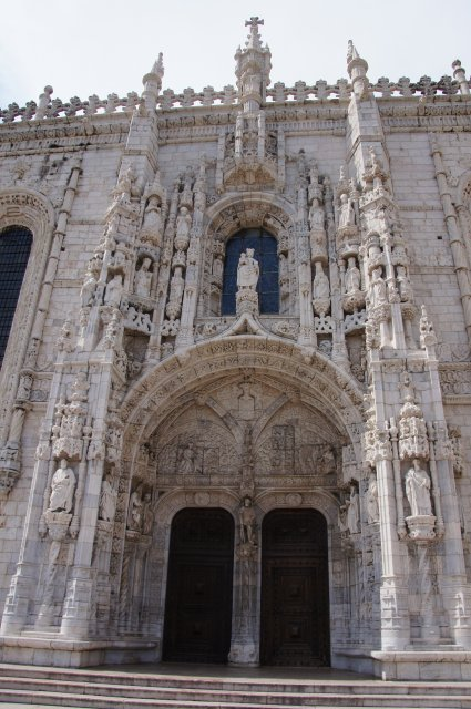Вход в Монастырь Жеронимуш, Лиссабон, Португалия