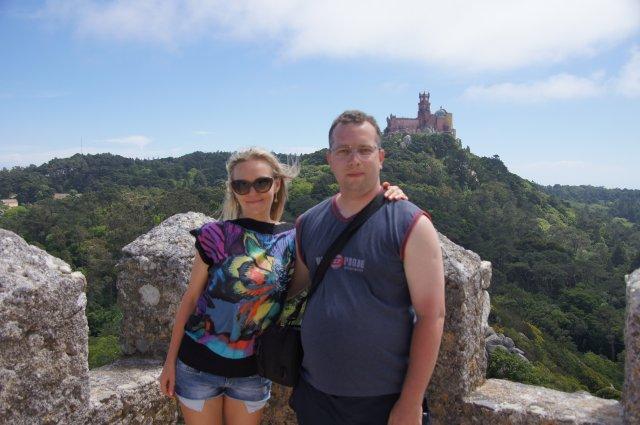 Мы на фоне замка Пена, Синтра, Португалия