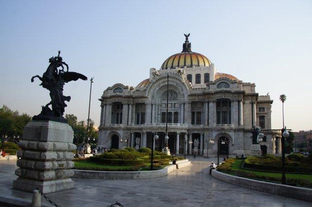 Дворец Искусств, Мехико