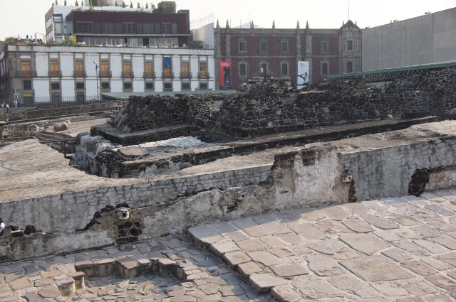 Развалины храма ацтеков города Теночтитлан, Мексика