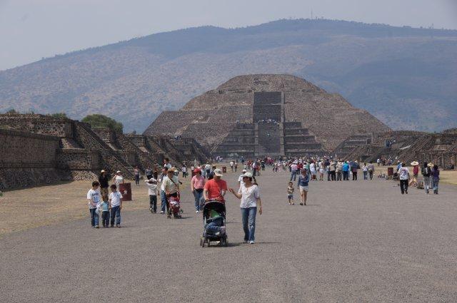 Пирамида Луны в Теотиуакане, Мексика