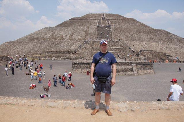 Пирамида Солнца в Теотиуакане, Мексика