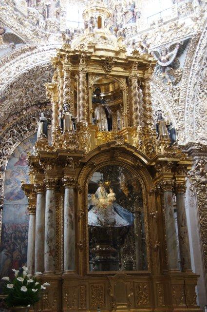 Церковь Санто-Доминго в Пуэбле, Мексика
