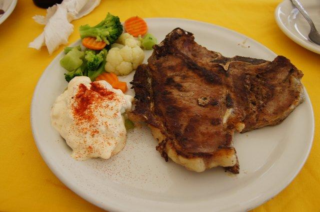 Стейк T-Bone, ресторан Selva Maya, Мексика