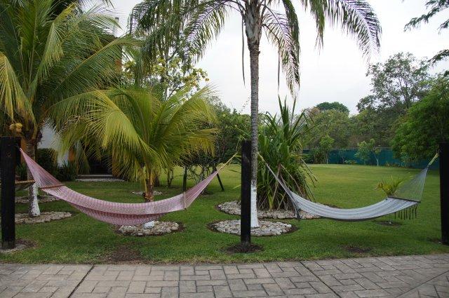 Территория отеля Cuidad Real, Паленке