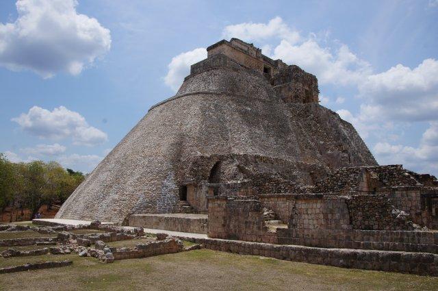 Пирамида Волшебника, Ушмаль, Мексика