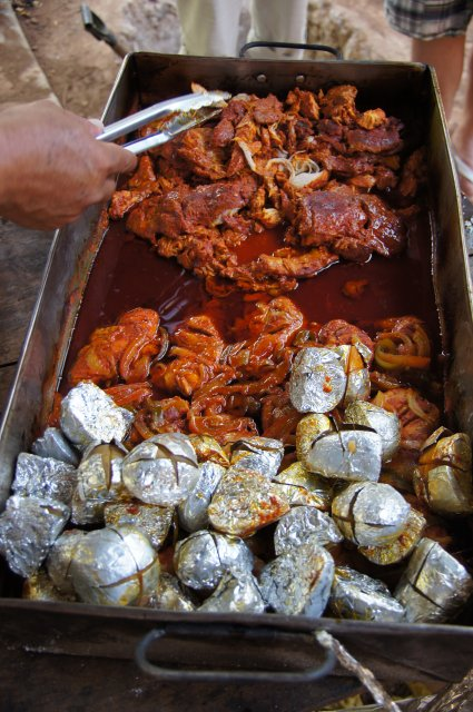 Дегустация блюда по-Юкатански, ресторан-бар Halach Huinic, Мексика