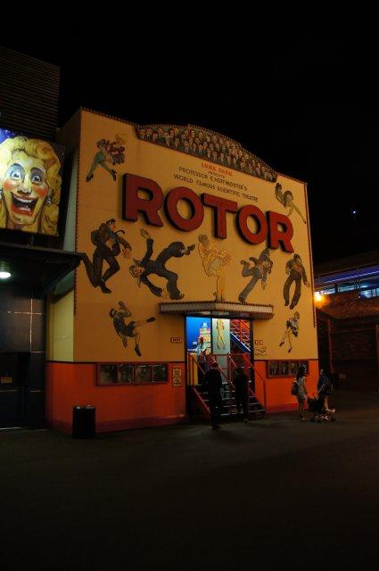 Аттракцион Rotor в луна-парке Сиднея, Австралия