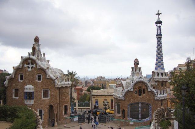 Пряничные домики в Парке Гуэль, Барселона, Испания