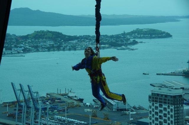 """""""Полет"""" с башни Sky Tower, Окленд, Новая Зеландия"""