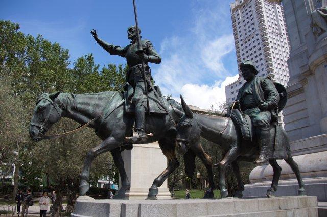 Дон Кихот и Санчо Панса, Площадь Испании в Мадриде