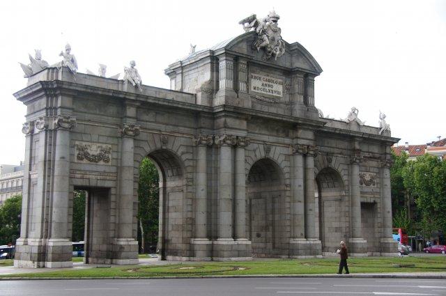 Триумфальная арка Alcala, Мадрид, Испания
