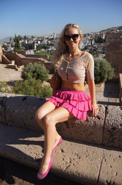 Прогулка по замку Альгамбра, Гранада, Испания