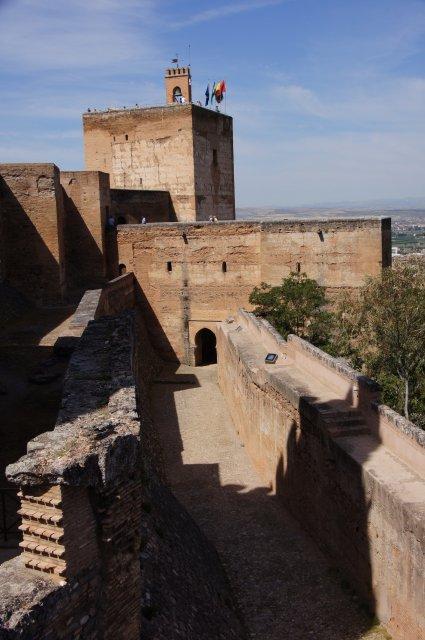 Башня замка Альгамбра, Гранада, Испания