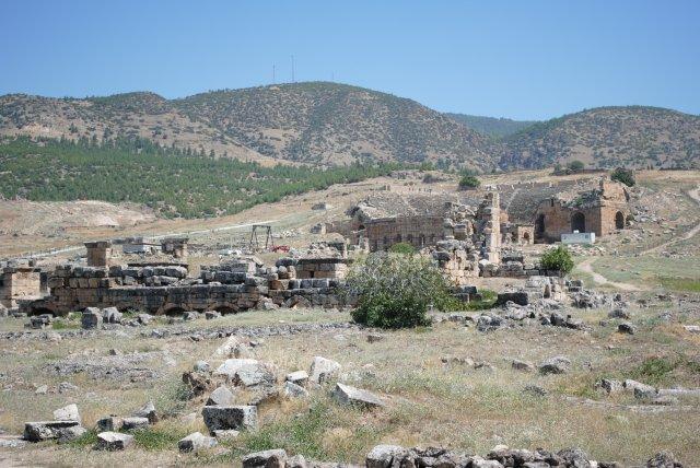 древний античный город Иераполис, Памуккале, Турция