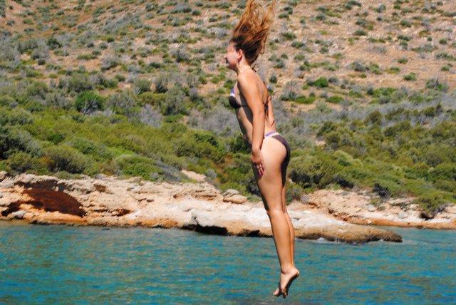 Традиционные прыжки с яхты