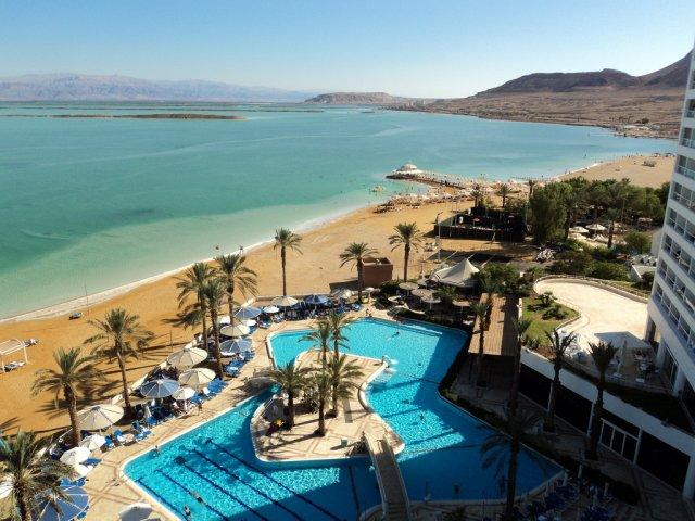 Вид на Мертвое море из отеля, Израиль