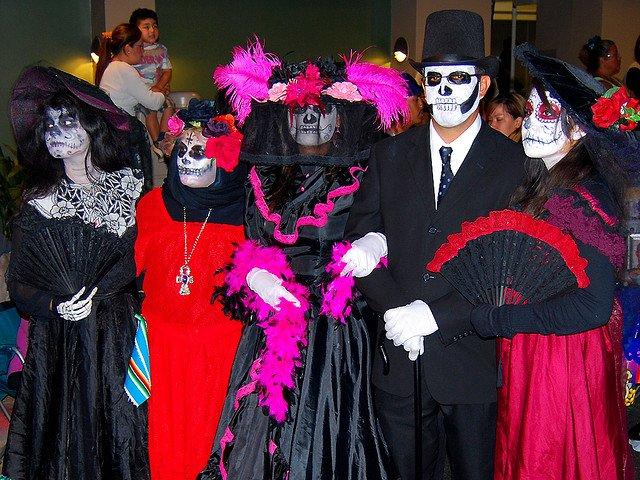 Костюмированный карнавал, День Мертвых в Мексике