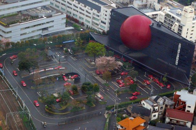 Школа вождения в Токио, Япония