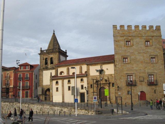 Хихон, Испания