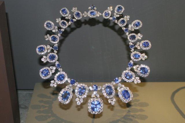 Колье из сапфиров и бриллиантов Шри-Ланки
