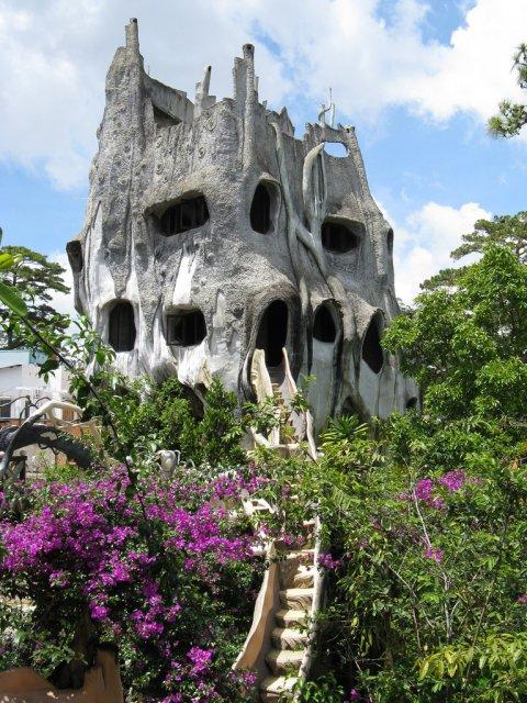Отель Crazy House в Далате, Вьетнам