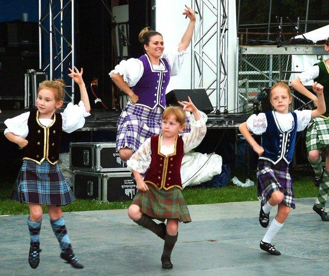Танцы в Канаде