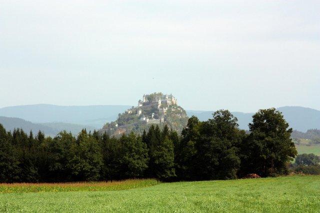 Замок Хохостервиц, Австрия