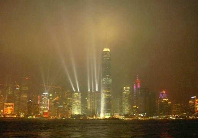 """Лазерное шоу """"Симфонния света"""", Гонгконг"""
