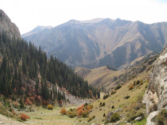 Горы вокруг озера Сон-Куль, Киргизия