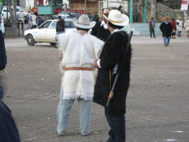 Жители Чамулы, деревня индейцев Майя, Мексика