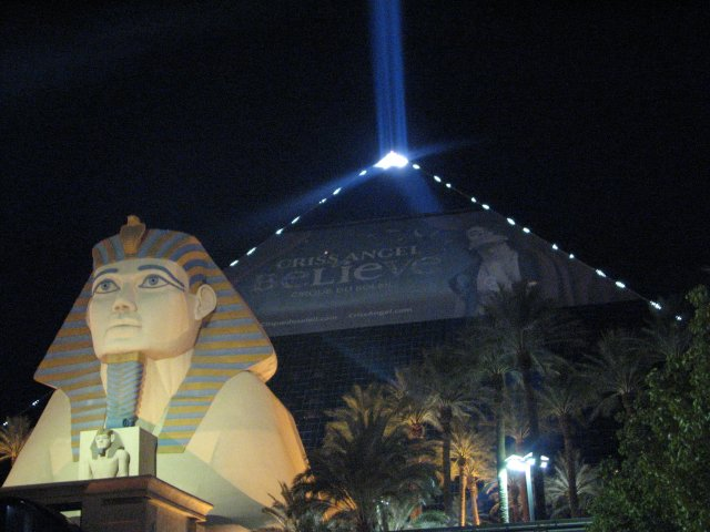 Отель Луксор, Лас-Вегас