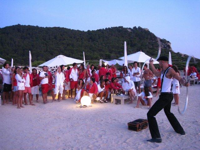 Пляжная вечеринка на Ибице, Испания