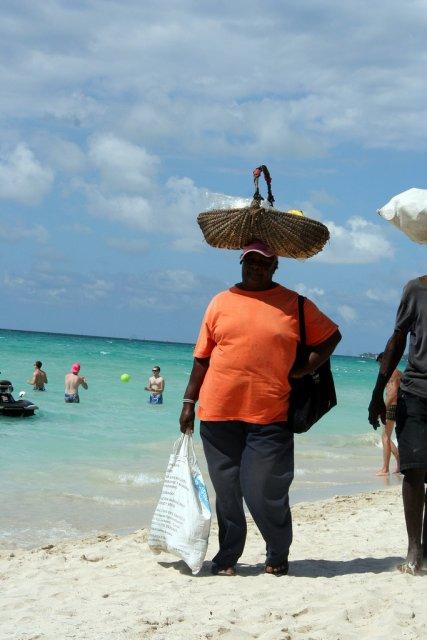 Продавец фруктов на Ямайке
