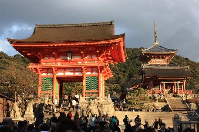 Храм чистой воды, Япония
