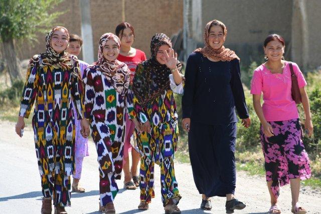 Школьницы, Киргизия