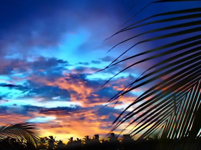 Закат на островах атолла Лааму, Мальдивы