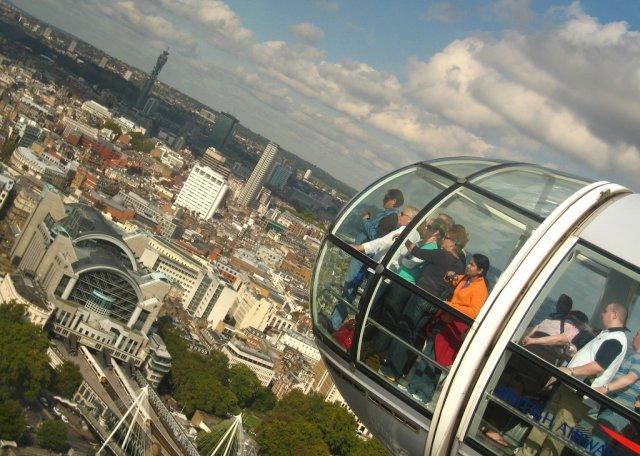 Вид из кабины колеса обозрения London Eye, Лондон, Великобритания