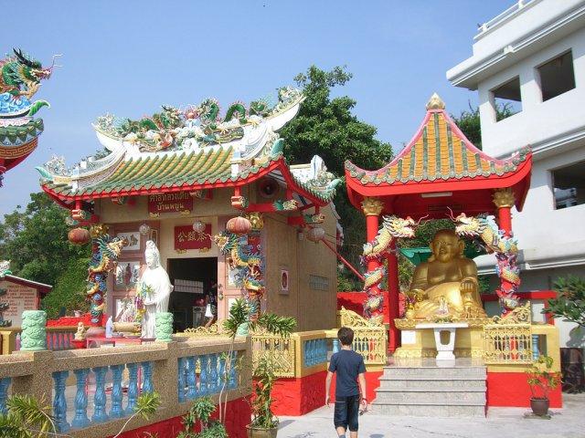 Храм Махаяна Ват, Районг, Таиланд