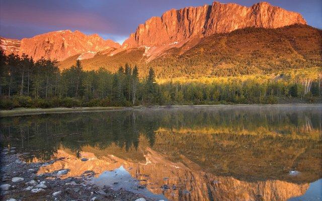 Yamnuska Mountain, Канада