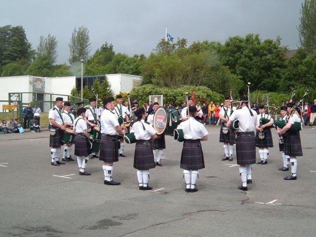 Репетиция королевских волынщиков в Портри, остров Скай, Шотландия