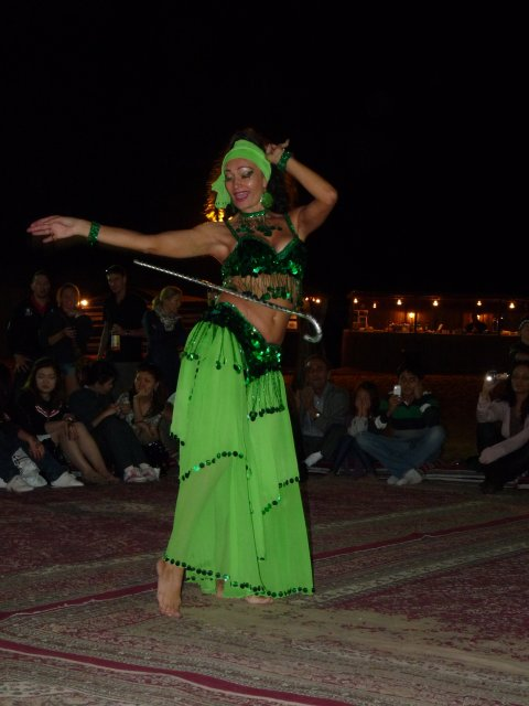 Танец живота в деревне бедуинов, Дубай