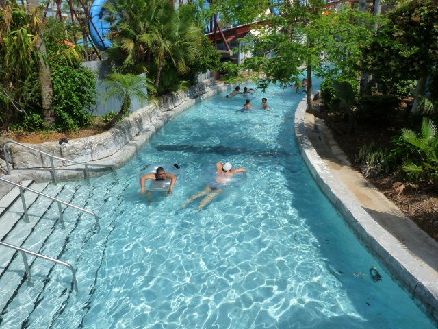 Lazy river, аквапарк WET'N WILD, Флорида