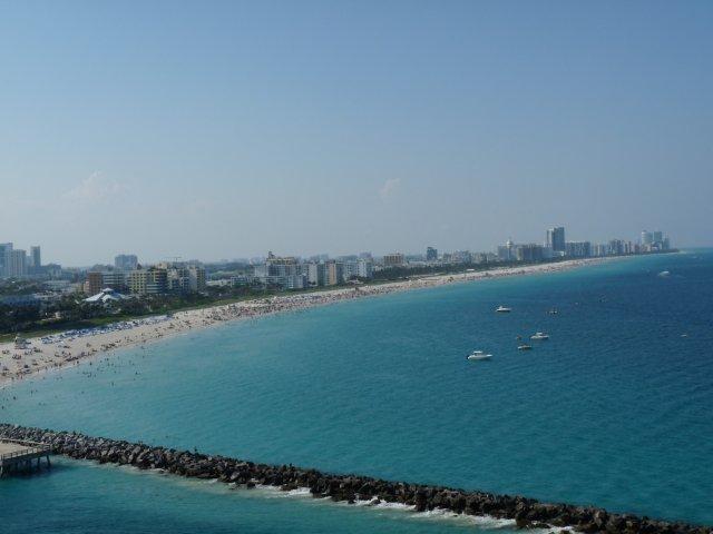 Вид на Майами с лайнера Carnival Glory