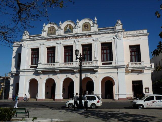 Театр Томаса Терри, Сьенфуэгос