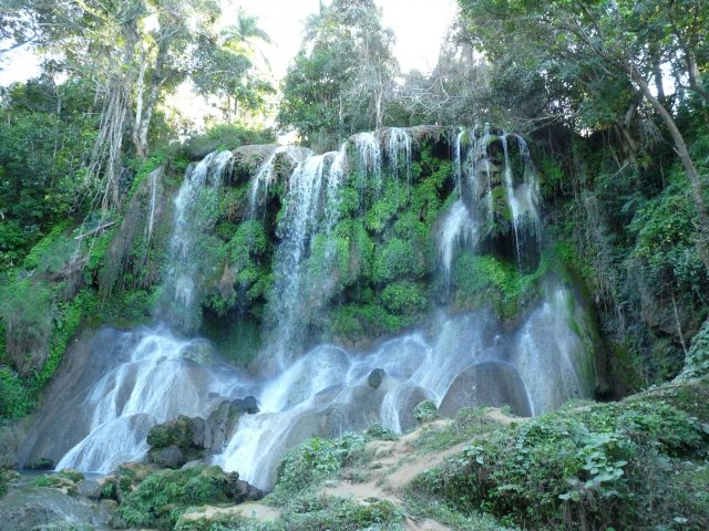 Водопад в парке Эль Ничо, Сьенфуэгос
