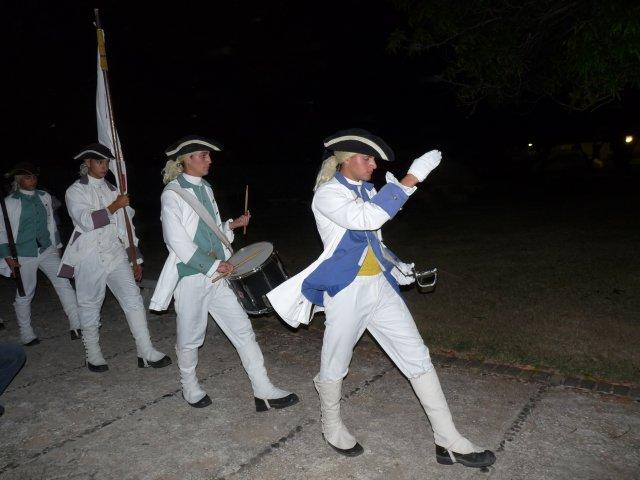 Марш солдат на пушечной церемонии, Гавана