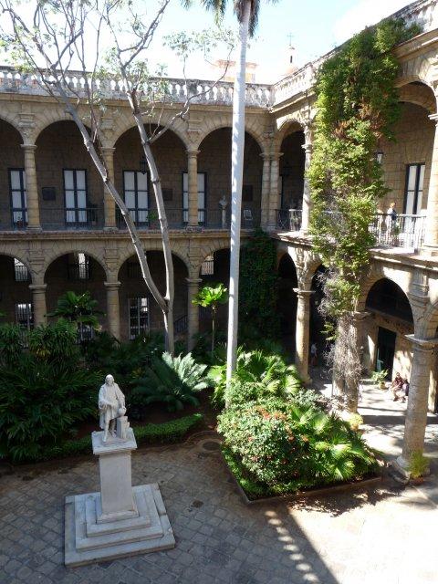 Внутренний дворик Дворца Губернаторов, Гавана